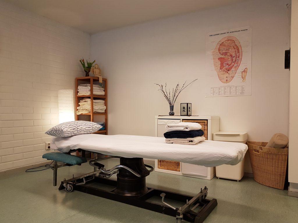 Hemmotteluhoidot, luontaishoidot , energisoivat hieronnat ja akupunktio sekä ravinto-opastusta Helsingissä